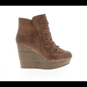 SBICCA WEDGE BOOTIE WITH WOVEN SIZE 8